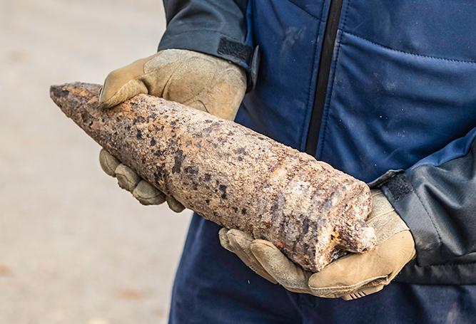Bombe Gefahrenabwehrer Kampfmittelräumer Kampfmittelräumdienst Granate Sprengbunker