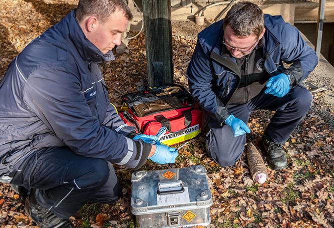 Bombe Gefahrenabwehrer Kampfmittelräumer Kampfmittelräumdienst Sprengung
