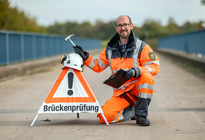 Warndreieck Brückenprüfer Wegbereiter öffentlicher Dienst Schutzkleidung